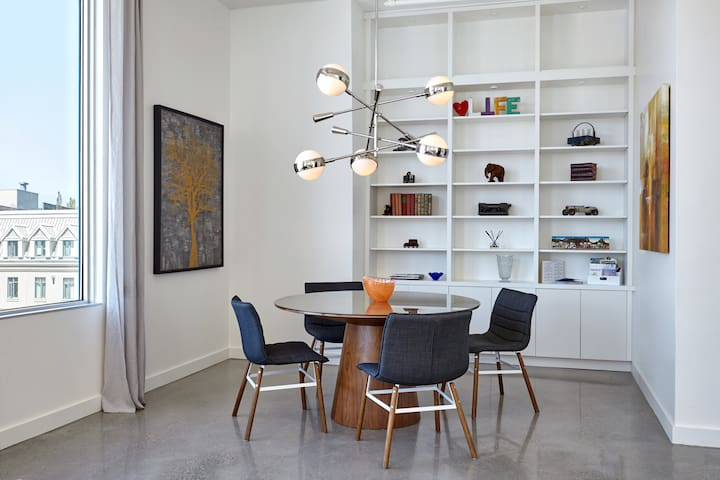 Gorgeous, bright dining area to enjoy your meals