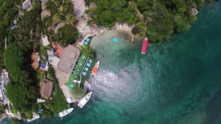 kokomo Isla beach  Cabaña compartida