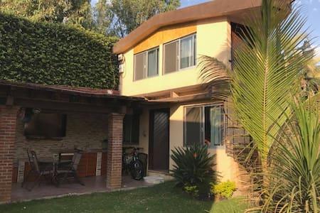 Agradable bungalow con excelente ubicacion - Cuernavaca - Bungalow