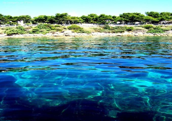 Seaside peaceful spot in Provence