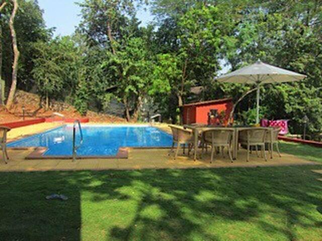 5 BHK - Portuguese Villa near Beach - Monica Vaddo - Casa
