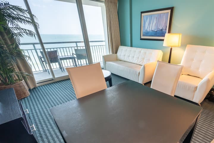 Clean modern oceanfront condo - Beach/Pool are open! 5th Floor Near Boardwalk