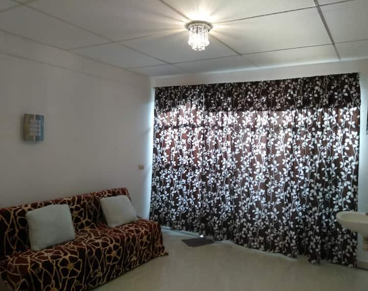 Habitación céntrica y con entrada independiente