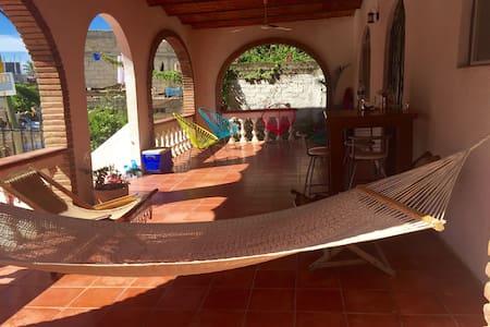 Casa Rocío a 3 cuadras del mar - Sayulita - Casa