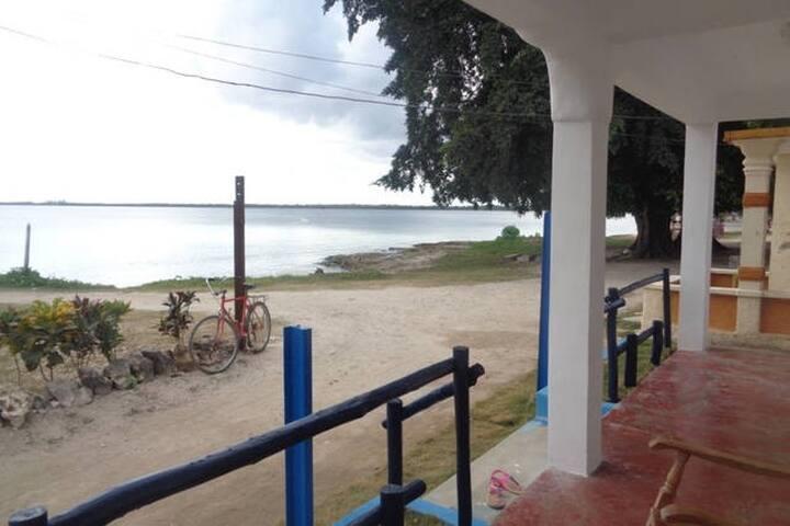 Casa La Playita - Habitación 1 Frente al mar. - Playa Larga - Rumah