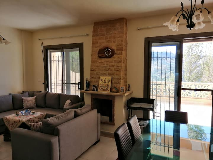 Faraya Apartment, with a view and garden