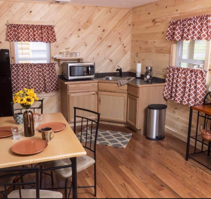 Country cabin with Resort amentities