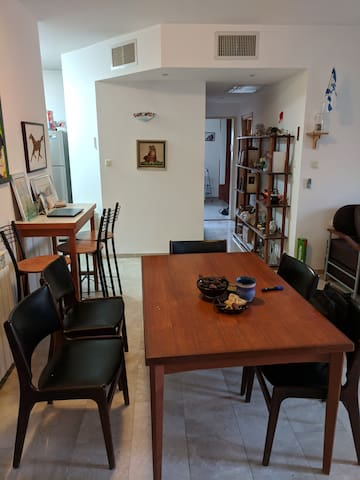 2BR 2-baths apt in an upscale building