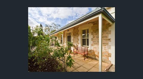 Adelaide Heritage House with Charm