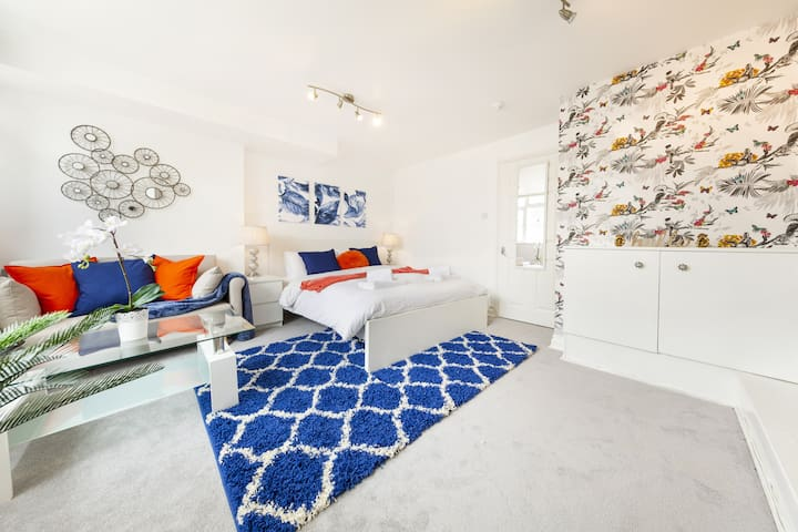 Stunning Bristol Apartment-*DISINFECTED*&*PARKING*