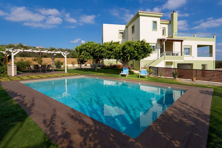 Dimokratia Luxury Villa - Private Pool, Sea View