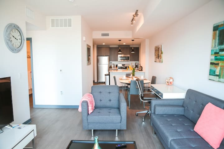 Well-Equipped 1BR Apartment in Downtown LA