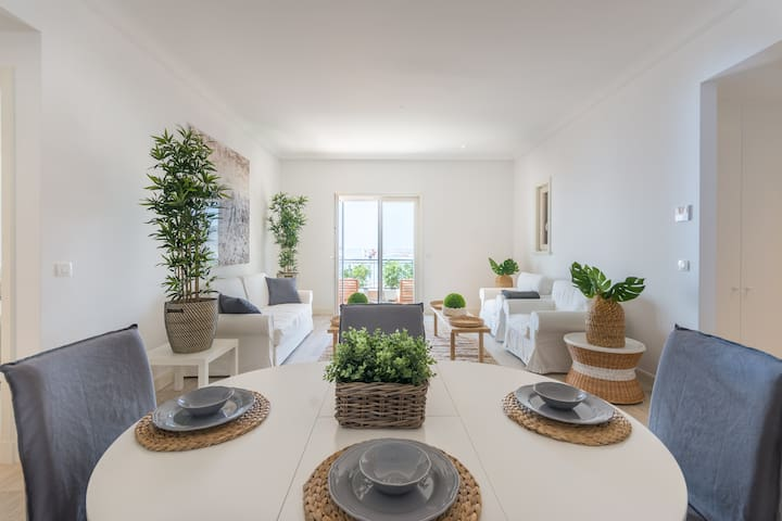 Brand new apartment in the beautiful Lustica Bay