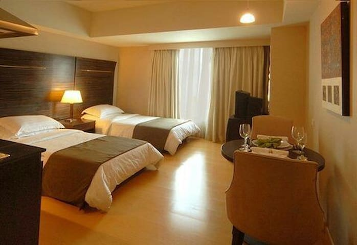 Fully Furnished Studio Suite - Mandaluyong - Bed & Breakfast