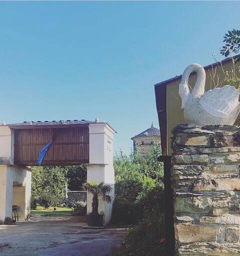 Apartamento turístico, complejo rural con jardín
