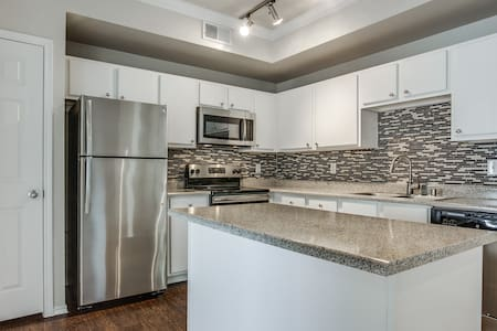 1BR w/ spectacular location in Euless