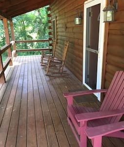 Hocking Hills Cozy 2 BR Log Cabin - Logan - Kisház