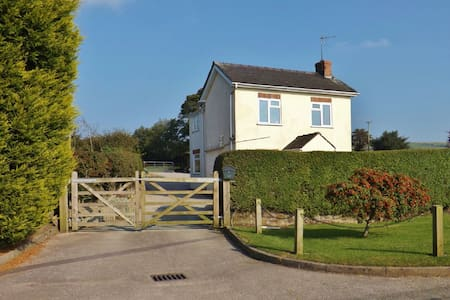 Little Bent Holiday Cottage - Staffordshire