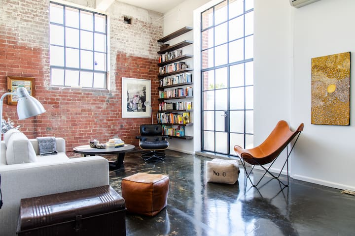 Stylish Warehouse Conversion in Heart of Fitzroy