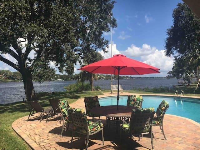 Waterfront paradise, estate, weddings, boat dock
