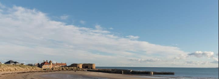 Beadnell Bay Apartment - so close to the beach