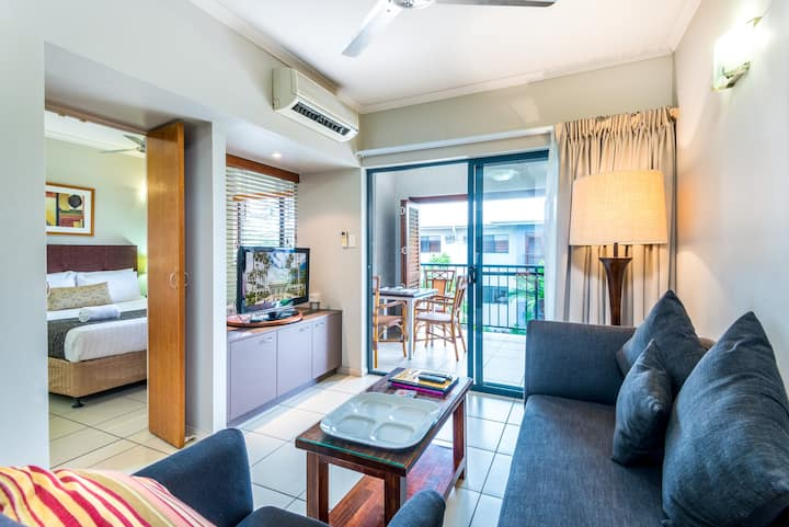 Southern Cross Apt 1194 Self Contained Single