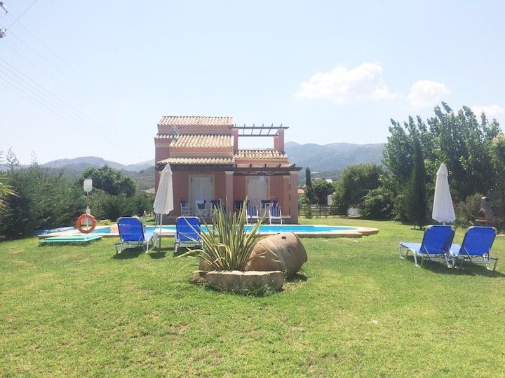 Villa Filιa no 1 with swimming pool, Almiros Corfu