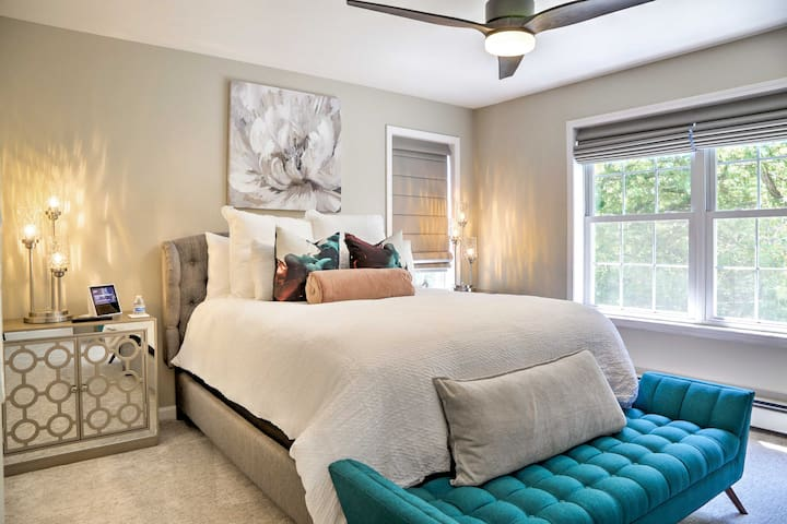 A high-end queen mattress can be found in the second bedroom.
