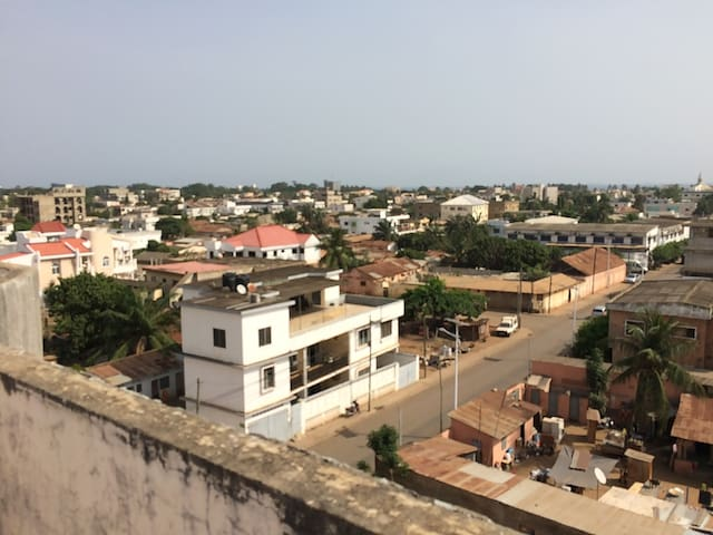 Double rm in central Lomé with large roof terrace - Lome