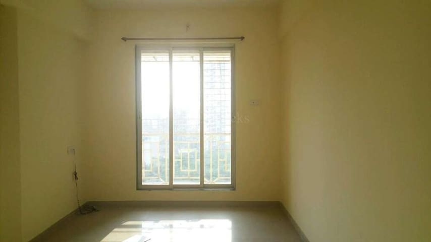 Cozy, Homely and furnished Place in Airoli