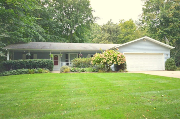 Lake Forest Retreat is in close proximity to two Lake Michigan beaches!