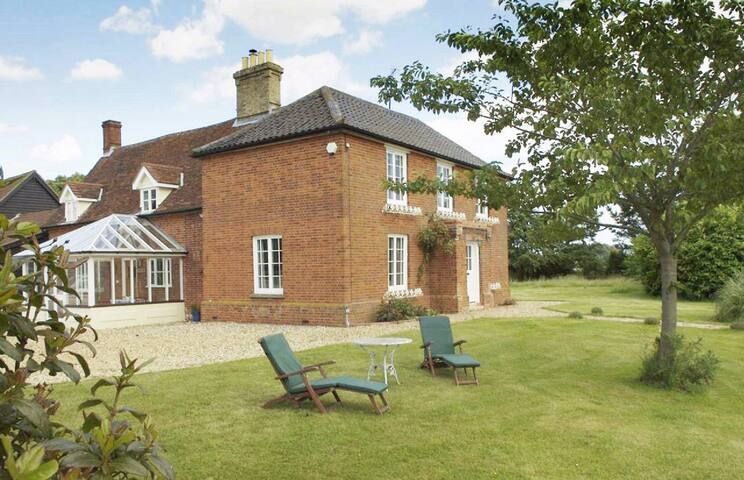 The Farmhouse - Bredfield, Nr. Woodbridge - House
