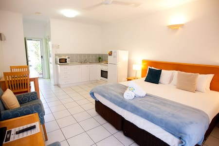 Boutique Studio Apartment +WiFi +Laundry and More