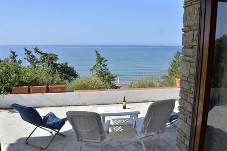 Bellissima Villa fronte mare - Fondi