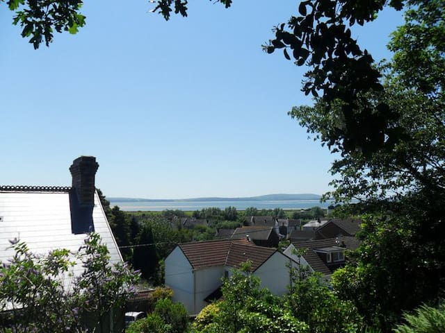A room with a view, Pwll, Carms (garden), dbl bed