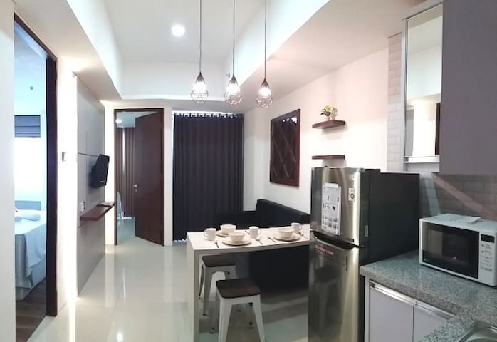 2BR CBD @Marvell City +Free Wifi +Cable TV