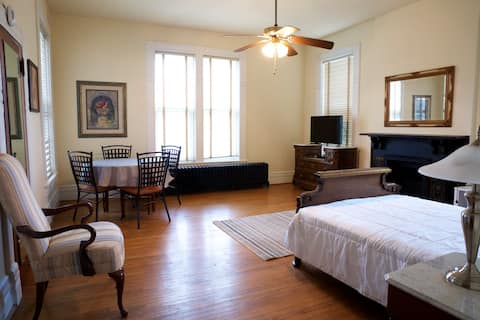 Ayers Mansion II Suite F - DeWolf Extended Suites