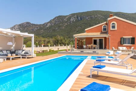 Casa Alta Mare Seaview Villa with Private Pool