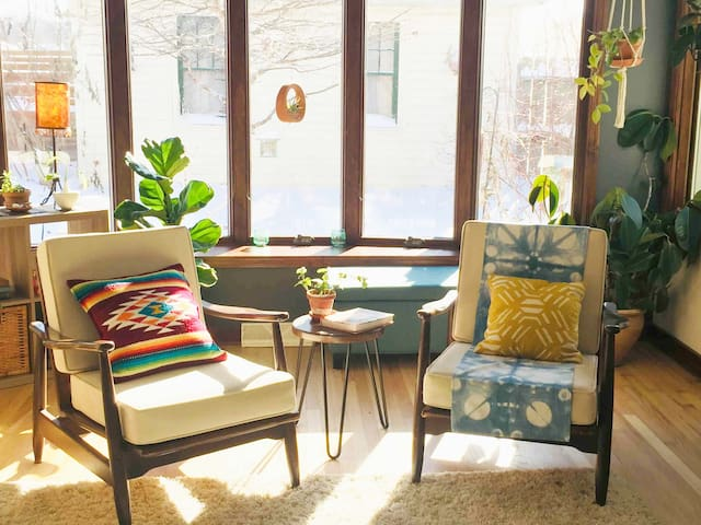 Sunlit Bohemian Home w/Parking amid DT and Airport