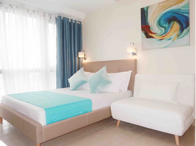 Chic Eastwood City studio for a cozy staycation
