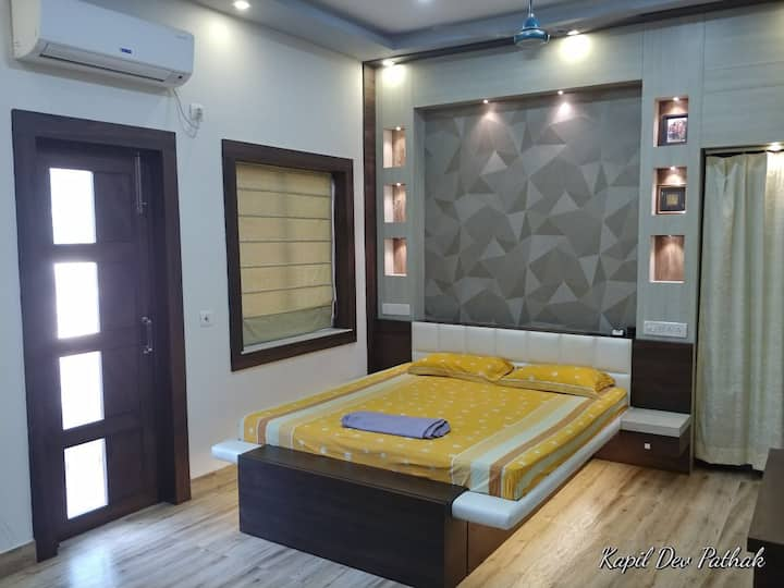 An oasis in Kalighat! | Wifi | AC |Master Room