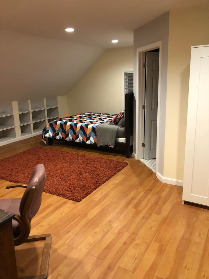 Spacious suite with private bath/Boston line
