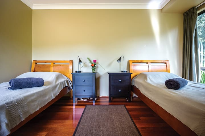 National Park Yoga Retreat, Sydney -  Twin Room