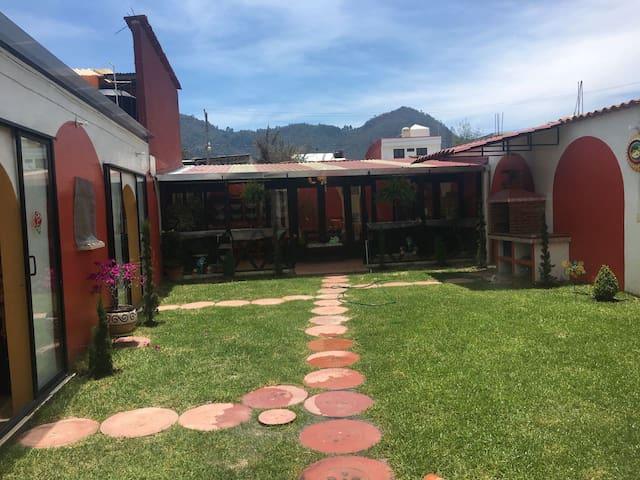 La casa de campo, Wi-Fi GRATIS (cuarto#2) - San Cristóbal de las Casas - Gästhus