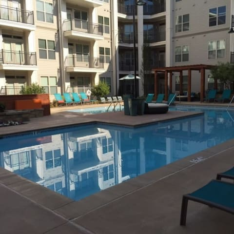 BROOKHAVEN/BUCKHEAD AREA RESORT STYLE 2BED / 2BATH - Atlanta - Apto. en complejo residencial