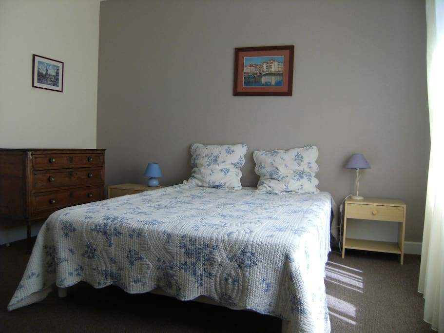 Chambre Lit 2