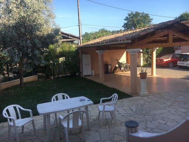 Appartement Rez-de-jardin privatif Biot