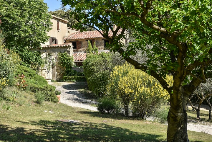 Bed and breakfast at the heart of Provence