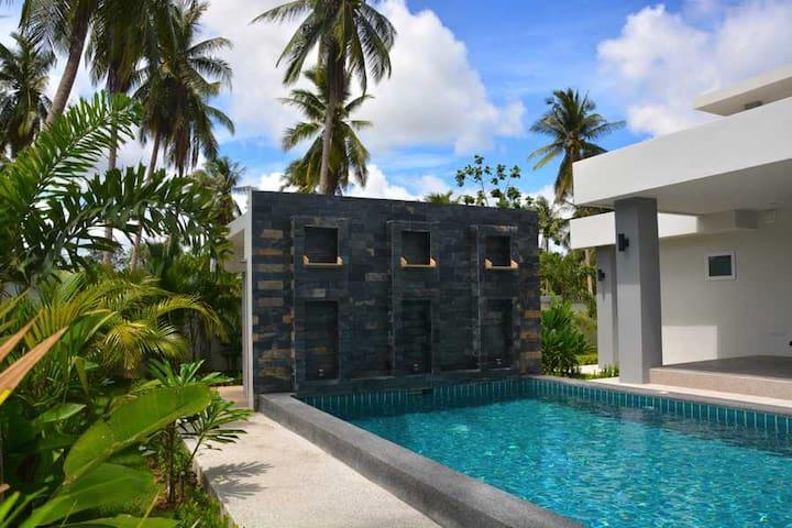 Comfy Riverside Villa in Chonburi - บ้าน