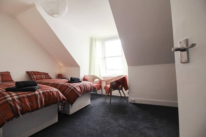 Diamond - Abbey Apartment